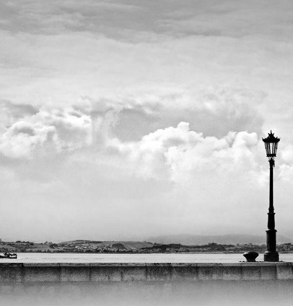 farola-embarcadero-bahía-santander-cantabria-blanco-y-negro